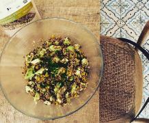 Une salade de petit épeautre et lentilles vertes.